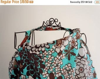 On Sale Couture Mama Nursing Cover - Satchi - Plus a FREE set of Hooter Soothers Washable nursing pads