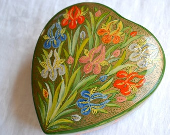 "Vintage Paper Mache Trinket Jewelry Box - Heart Shaped with Painted Iris - Large 5"" Size"