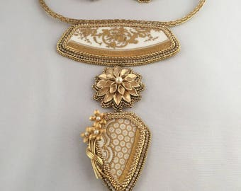 China Gold Necklace and Earrings