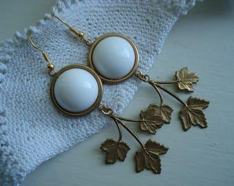 Vintage White Milk Glass Gold Oak Leaf Leaves Dangle Earrings Summer