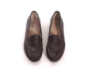 30% OFF Vintage 80s Preppy Chic Dark Chocolate Brown Patent Leather Crocodile Print Loafers 8.5