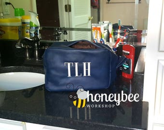 Men's / Women's toiletry / cosmetic bag - Perfect Father's Day gift! monogrammed / embroidered / personalized faux leather bag - man / woman