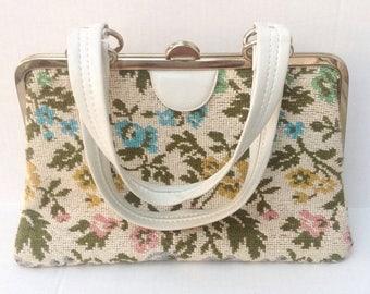 SALE Vintage floral tapestry embroidery needlework handbag purse.  Vintage bag.