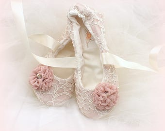 Wedding Flats Shoes Bridal Ballet Slippers in Blush Pink and Ivory Wedding Ballet Flats with Flowers and Ankle Ties