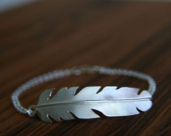 Silver Feather Bracelet | Side Feather Bracelet | Boho Silver Jewelry | Nature Jewelry | Sterling Silver Feather | Handmade in UK