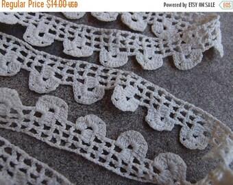 SALE SALE SALE Vintage Handmade Lace Crocheted Trim Edging Cotton Scalloped Sewing Supplies Wedding Cream Antique White