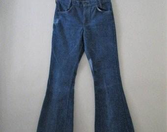 Spring SALE Vintage 70s Levi bell bottoms / Hippie Boho denim Unisex bell bottom jeans / Orange tab Levis 30 x 33