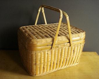 Lunch to Go - Vintage Picnic Basket - Woven Picnic Basket - Bamboo Picnic Basket