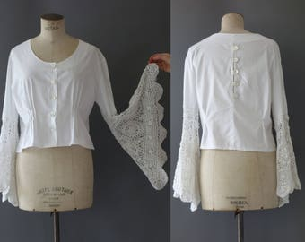 White shirt with crochet wide angel sleeves | 1970's by cubevintage | medium