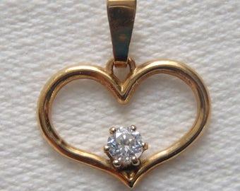 Vintage Heart Pendant 14K Yellow Gold CZ Stone