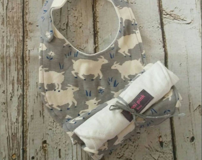 Sheep Baby Gift Set Gray Round Bib
