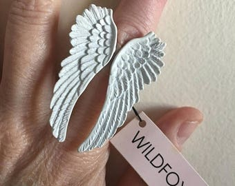 SUMMER SALE White Angel Wings Ring • Deadstock Never Worn Ring • Size 5