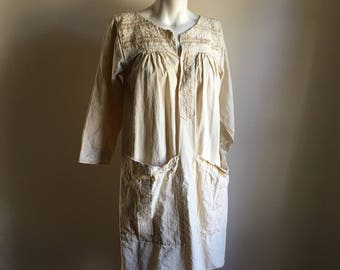 Vintage Mudcloth Cream Cotton Smock Dress • Old Work Dress • Free Size