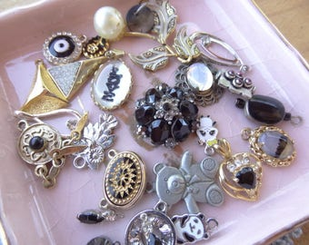 Vintage Jewelry Lot, Vintage Destash, Jewelry Destash. Costume Jewelry Lots. Small Black Pendants, Intaglio, Charms, Rhinestone, Love D71