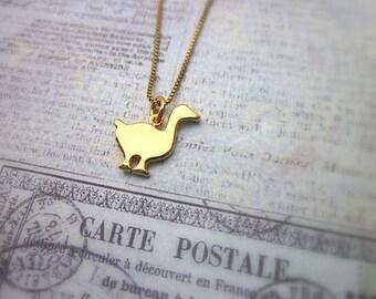 Gold Bird Necklace -- Women's Bird Necklace -- Swan Necklace -- Small Bird Necklace -- Gold Swan Necklace -- Swan Charm Necklace -- Pendant