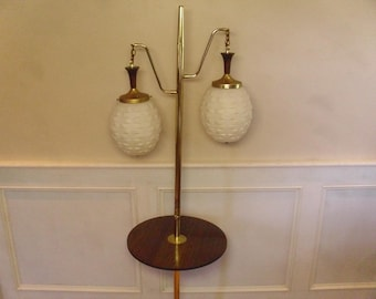 Vintage 1950's/1960's  Table w/Lamp