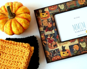Vintage Halloween Picture Frame, 4 x 6 Photo Frame, Picture Frames, handmade, Decorative, Unique, All Saints Day, Day Of The Dead,  October