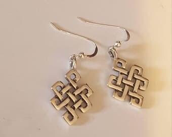 Endless knot earrings in Sterling Silver