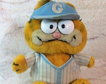 20% SALE Vintage 1981 Baseball Garfield Plush Stuffed Animal Bean Bag Plush 80s Kids Toys