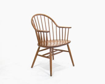 Claud Bunyard for Nichols and Stone Continous Bow Back Windsor Chair