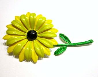 Vintage Yellow Daisy Enamel Brooch Green Yellow Flower Jewelry Gift Idea for Mom Flower Pin Gift Idea Under 10