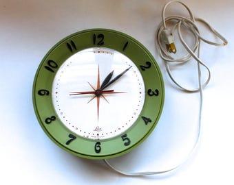 Vintage 1960s Green Lux Kitchen Wall Clock! Works! Mid Century Kitchen!
