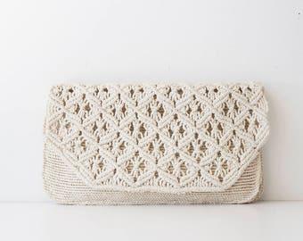 Vintage 1960s Foldover Crochet Clutch