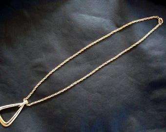TRIFARI GOLD TONE Metal
