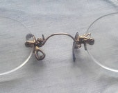 Antique French Spectacles Pince Nez glasses frameless gold butterfly nose rests specs