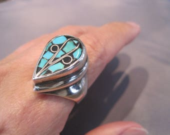 Vintage Sterling Turquoise Chip Inlay Teardrop Ring