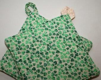 Reversible Potholder:  St Patrick's Green Clovers on Cream Clovers
