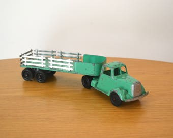 Tootsietoy Utility Truck Flat and Stake Body Green