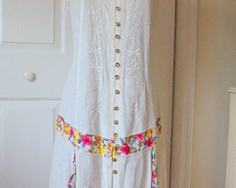 ON SALE.........Vintage 90's white India and flower print Sun Dress