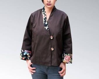Black kimono jacket, jacket collar and sleeves floral fantasy