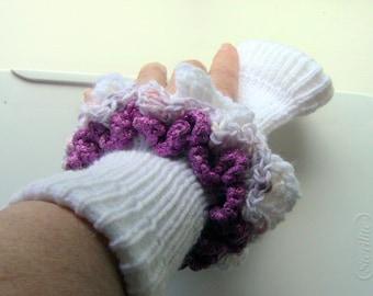 Wrist Warmers, Knitted Wrist Warmers, Fingerless Gloves,White and Pink Ruffled Wrist Warmers, Ruffled Wrist Warmers