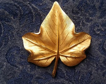 STYLISH Brushed Goldtone Maple Leaf Pin by Crown Trifari VINTAGE