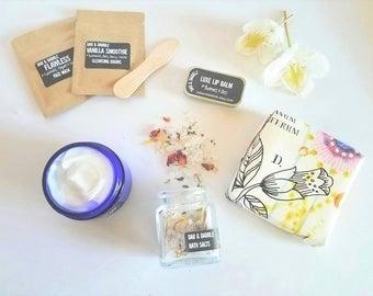 Spa Gift Box   Spa Gift Set   Spa Set   Gift Box   Bath Salts   Body Cream   Facial Masks   Sugar Scrub Soap and Lip Balm