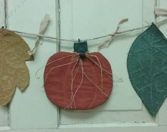 Fall Country Primitive Garland - 2 Leaves & 1 Pumpkin - Autumn Garland - Hanging Leaves and Pumpkin - Primitive Decor - Grungy Wall Hanging