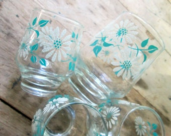 Stenciled Daisies Juice Glasses // Mid Century Turquoise & White 1970s Kitchen Dining