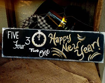 new years decor,Happy New year sign,primitive holiday sign,winter wood decor,outdoor new years decoration,door hanger,new years gift,gold
