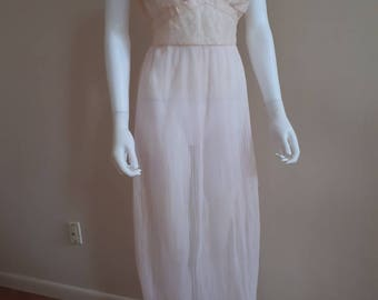 Vintage 1950s Pretty in Pink Seamprufe Lace Boudoir Nightgown 50s Lingerie Dress
