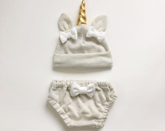 Unicorn baby hat & bloomers set Oatmeal