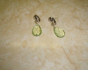 vintage clip on earrings silvertone lime green beveled lucite dangles