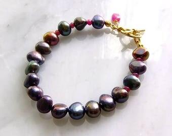 Freshwater pearl bracelet black dyed ruby 16kgoldplatting