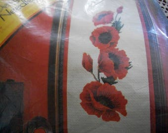 Columbia Minerva Designer Needlepoint Poppies Kit