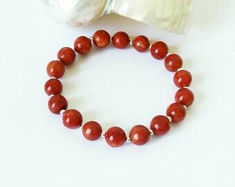 Bracelet élastique stretch Pierre de corail éponge rouge, boules 8mm / plaqué argent / red sponge coral gemstone silver plated bracelet