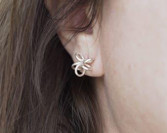 Wire flower earing