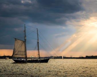 NYC Note Card | NY Harbor Greeting Card | Sailing Blank Greeting Card | Statue of Liberty | Sailboat on Hudson