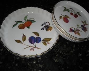 Royal Worcester Fine Porcelain Evesham Tart Quiche Pan Set (3) Made In England Fruit Design