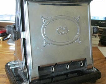 Art Deco Toaster, Landers, Frary & Clark, Universal #E3612, Made in USA, New Britain, Conn., Kitchen Collectible, Breakfast Serving